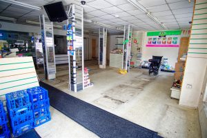 Large Retail Shop to Let in Deepdale, Preston