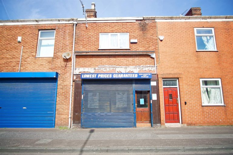 Commercial Premises to Let on Ribbleton Lane, Preston