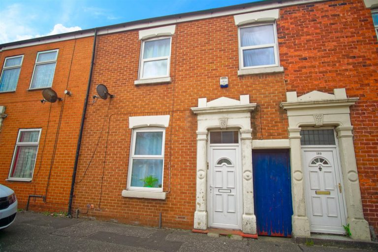 3-Bedroom House to Rent in Skeffington Road, Preston