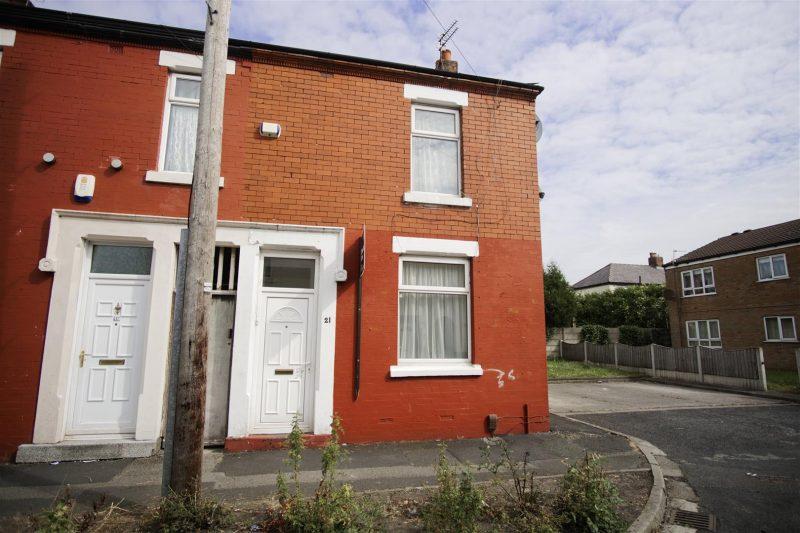 2 Bedroom House to Let in Tennyson Road, Preston