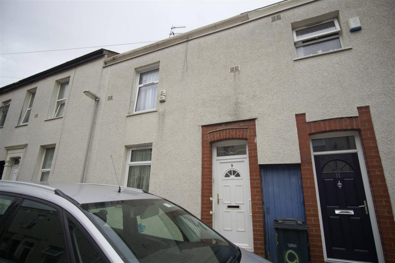 2 Bedroom House to Let on Cave Street. Preston