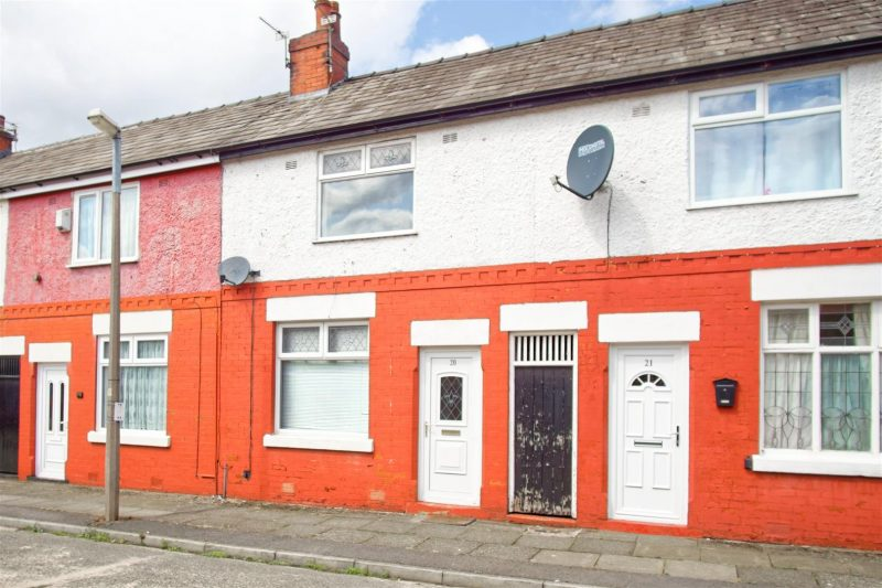 2 Bed House to Let on Isherwood Street, Preston