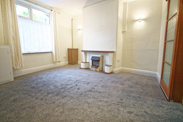 Spacious 3 Bed house to let on Raikes Road, Preston