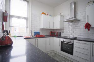 First Floor Double Bedroom In Tulketh Crescent Preston