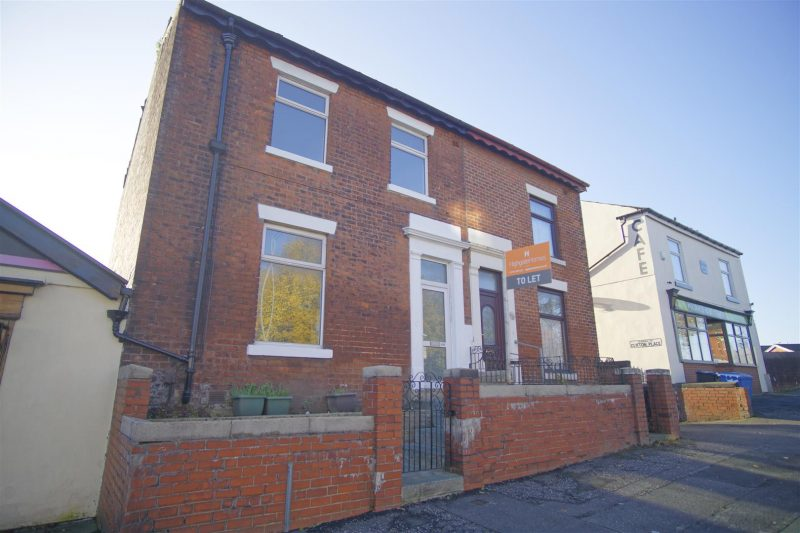Spacious, recently renovated 3-bed family home