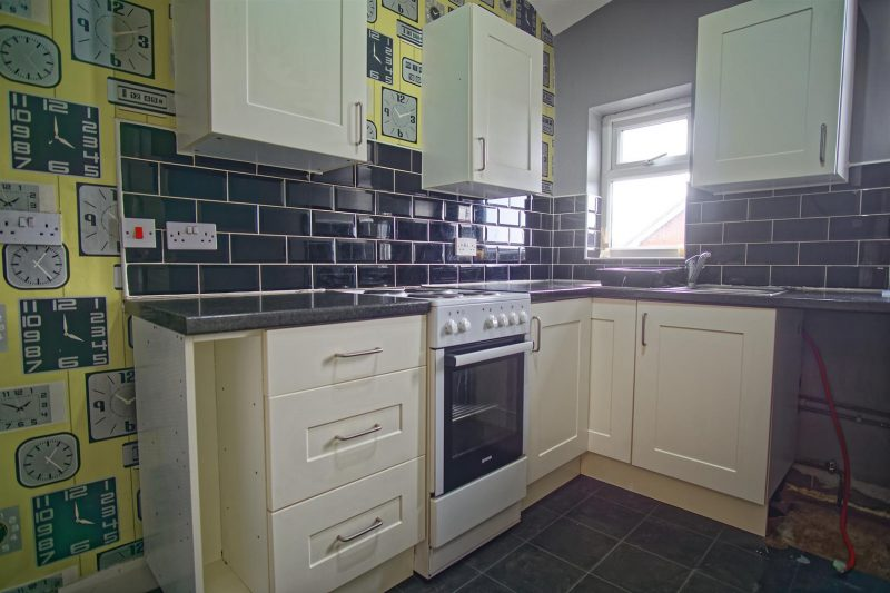 2-bed flat to let on Blackpool Road, Preston