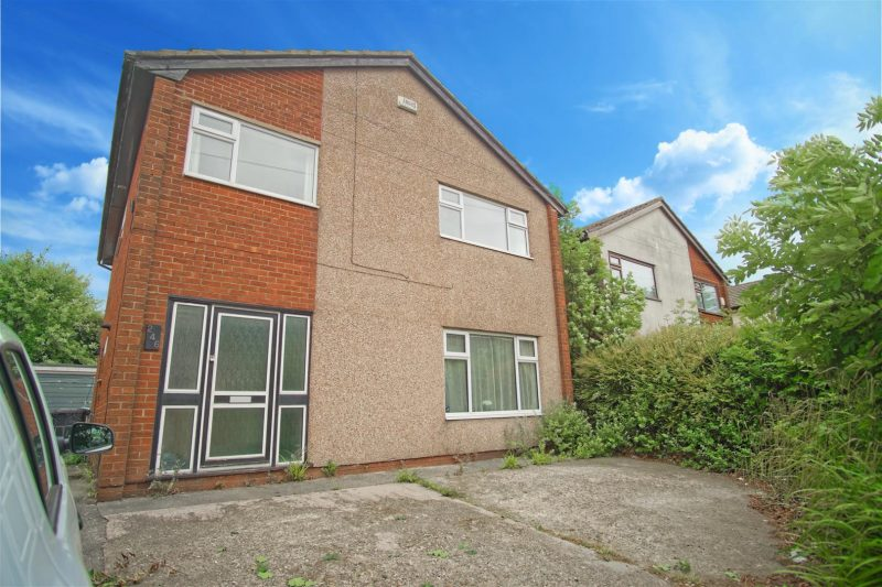 4-Bed House to Let on Sharoe Green Lane, Preston