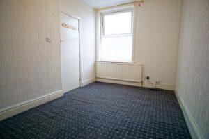 1 bedroom flat to let on Castleton Road, Preston