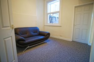 2-Bed House to Let on Carr Street, Preston