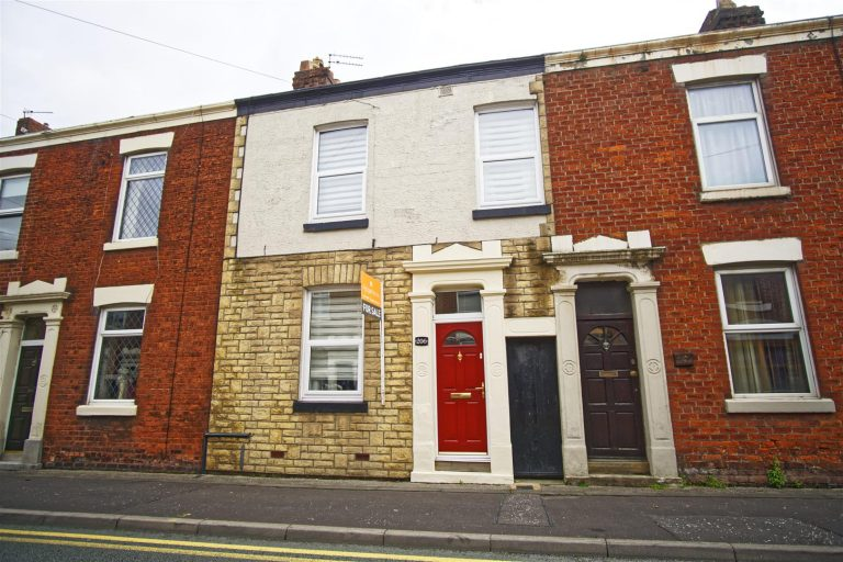 3-Bed Terraced House for Sale on Plungington Road, Preston