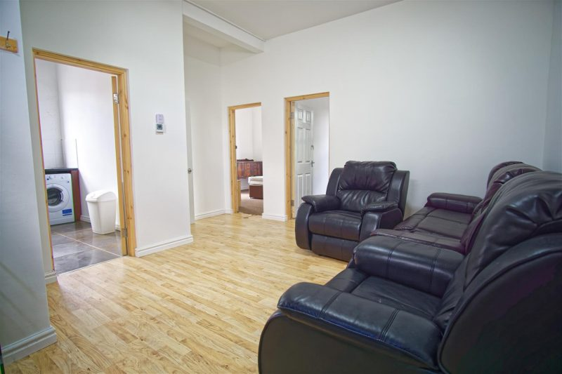 3-Bed Flat to Let on Schleswig Street, Preston