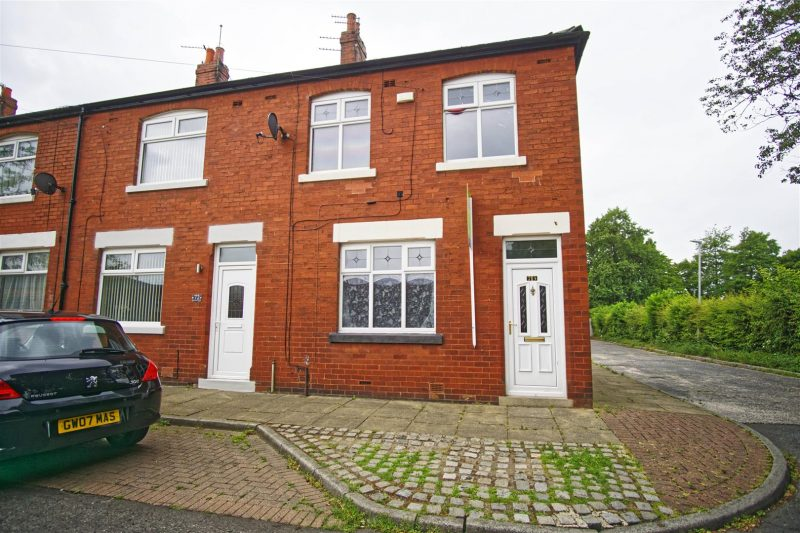 3-Bed House to Let on Greebank Street, Preston