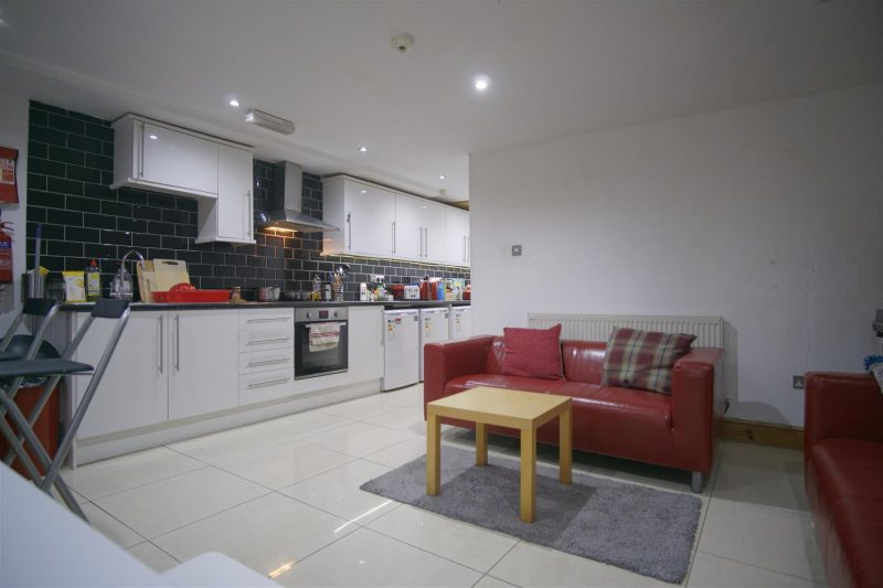 Double-Bedroom To Let on Tulketh Crescent, Preston