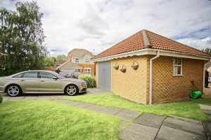 3-Bed Detached House to Let on The Briars, Fulwood
