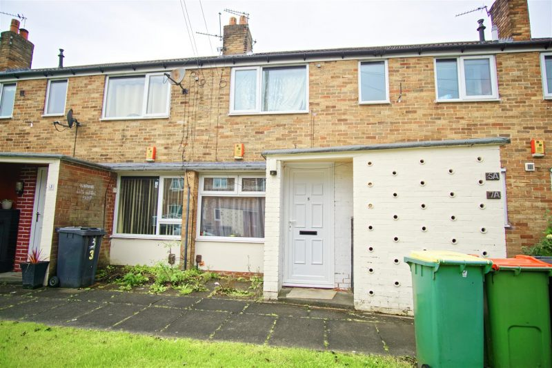 1-Bed Flat for Sale on Farringdon Close, Preston