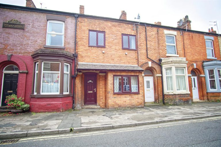 3-Bed House on Waterloo Road, Ashton-On-Ribble, Preston