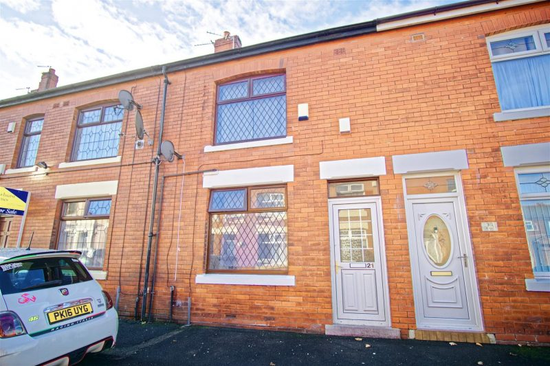 2-Bed Terraced House to Let on Dymock Street