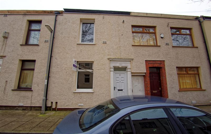 2-Bed Terraced House to Let on Redmayne Street, Preston