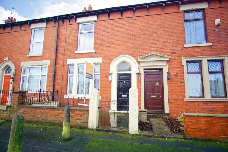 3-Bed House for Sale on Watling Street Road, Fulwood, Preston