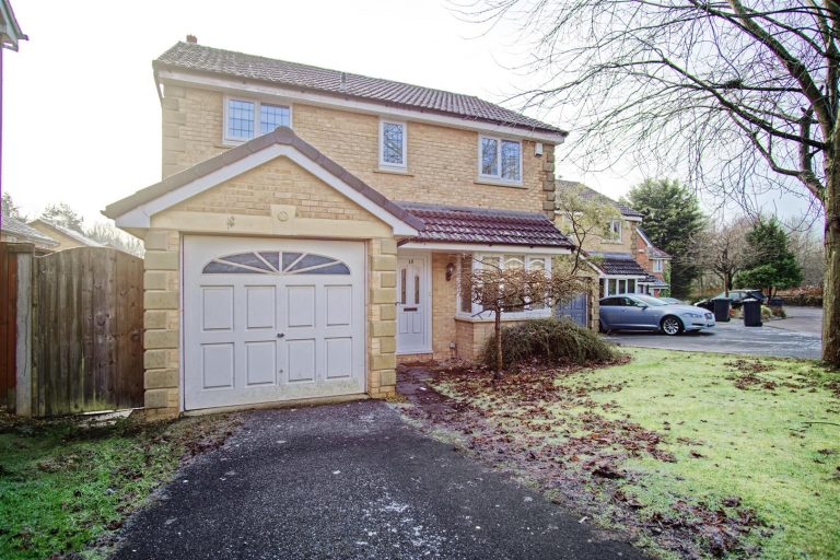 4-Bed Detached House for Sale on Bilsborough Meadow, Lea, Preston
