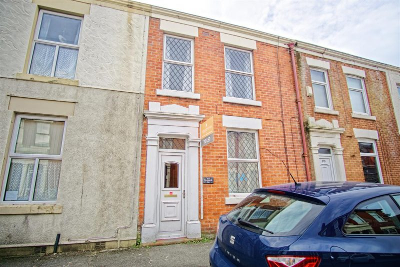 3-Bed House to Let on Roebuck Street, Preston