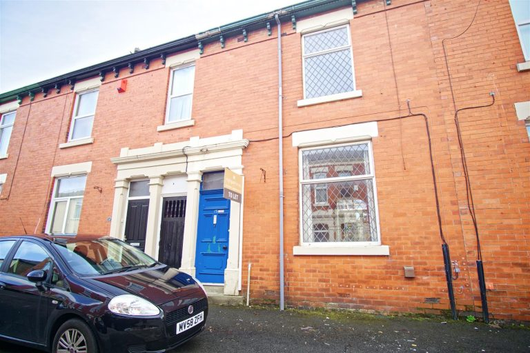 3-Bed Terraced House to Let on Balfour Road, Preston