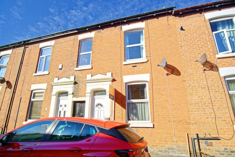 3-Bed Terraced House to Let on Wildman Street, Preston
