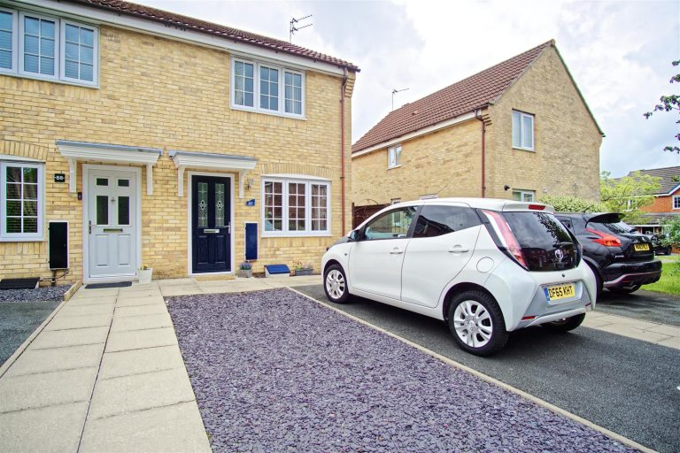 2-Bed End-Terraced House for Sale on Royal Drive, Preston