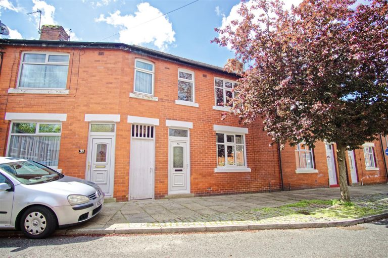 3-Bed Terraced House for Sale on River Parade, Preston
