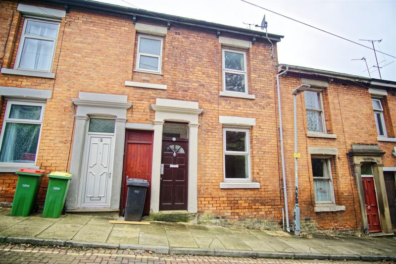 2-Bed Terraced House to Let on St. Mark's Road, Preston