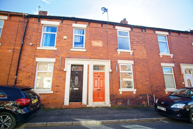 2-Bed Terraced House to Let on Bridge Road, Preston